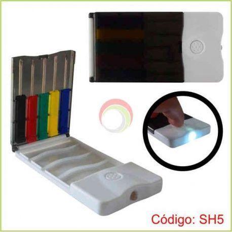 Set de herramientas con linterna