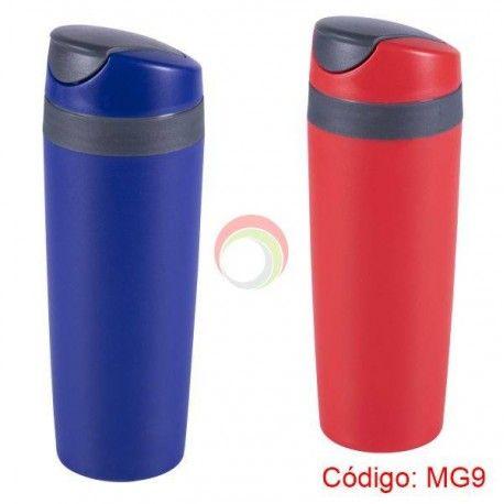 Mug plastico color azul y rojo